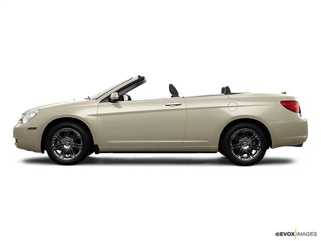 Photo Pre-Owned 2009 Chrysler Sebring Touring Convertible in Jacksonville FL