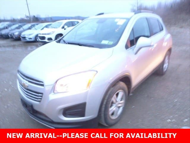 Photo Used 2016 Chevrolet Trax LT SUV FWD for Sale in Stow, OH