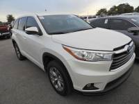 2016 Toyota Highlander LE Plus V6 Power Liftgate, Power Seat & Backup Cam SUV Front-wheel Drive 4-door