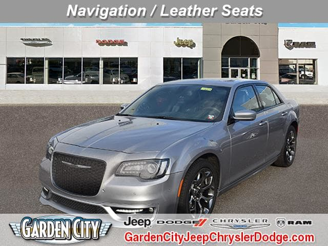 Photo Certified Used 2018 Chrysler 300 300S 300S RWD For Sale  Hempstead, Long Island, NY