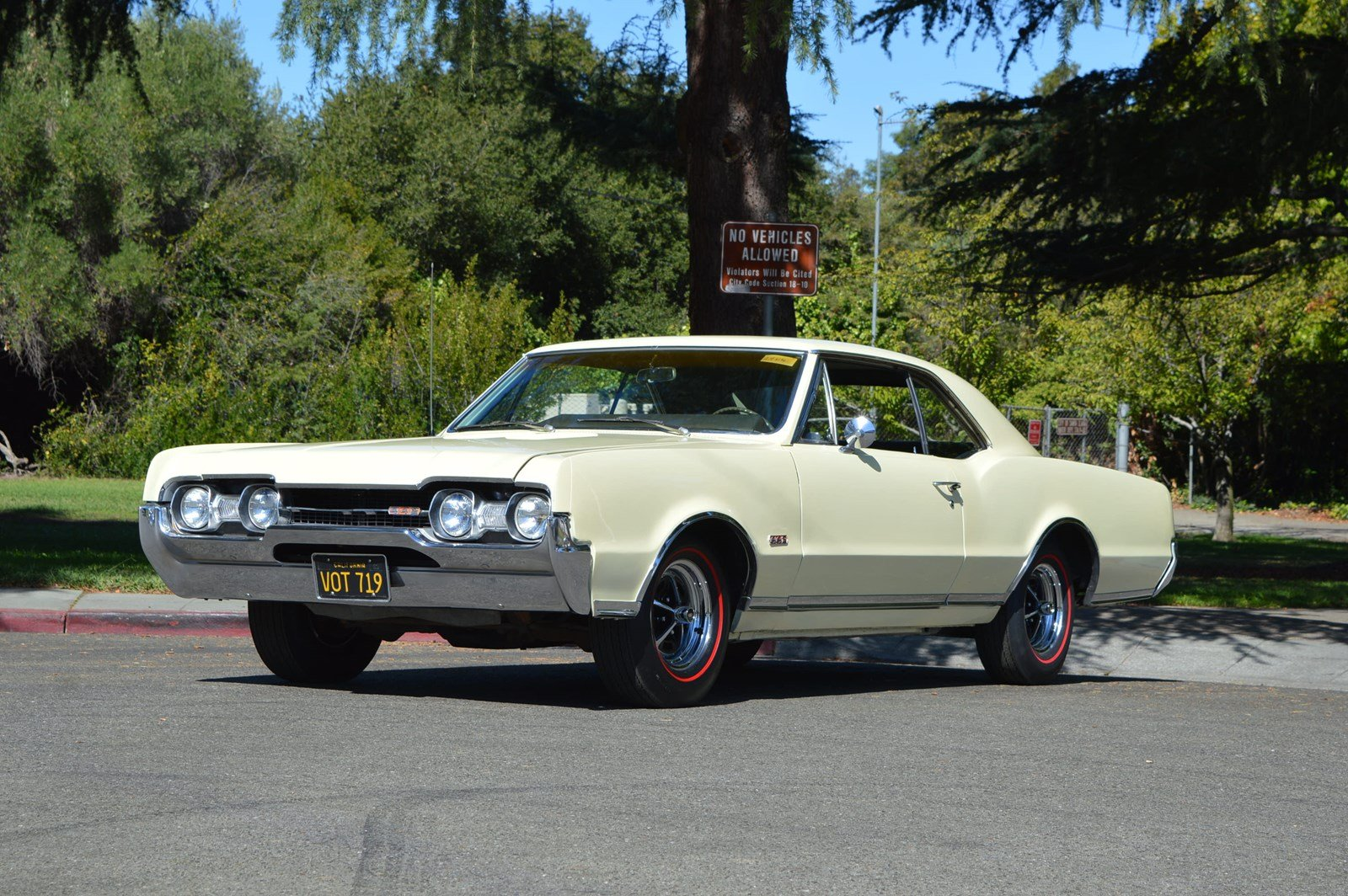 Photo Pre-Owned 1967 Oldsmobile Cutlass 442 s Matching Fully Documented 442 Build Sheet
