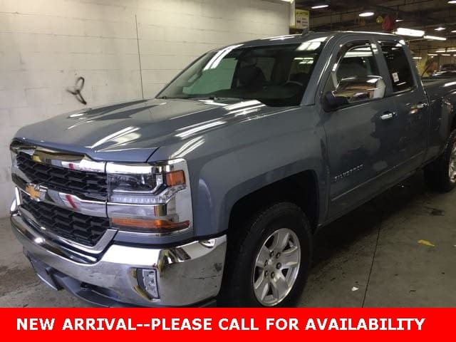 Photo Used 2016 Chevrolet Silverado 1500 LT Truck Double Cab 4WD for Sale in Stow, OH