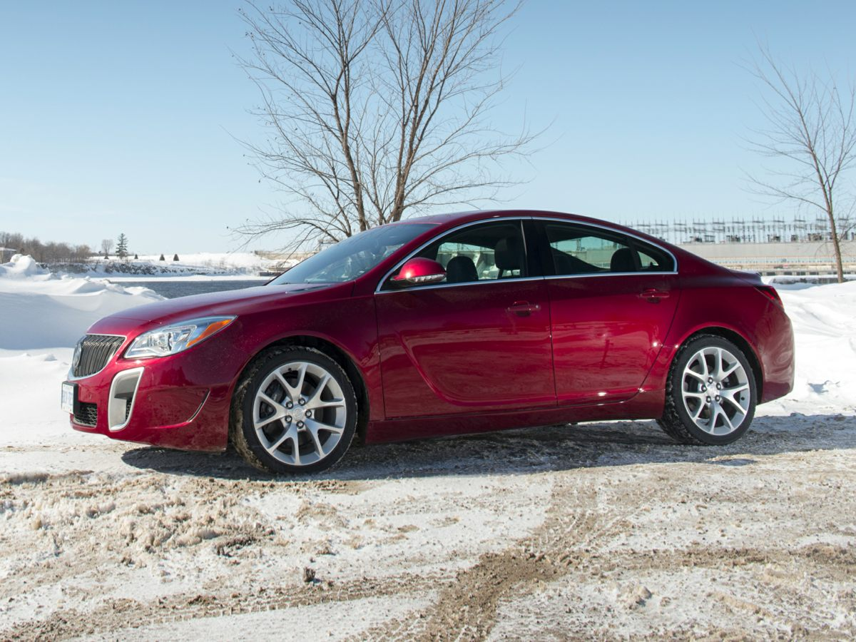 Photo Pre-Owned 2015 Buick Regal GS With Navigation
