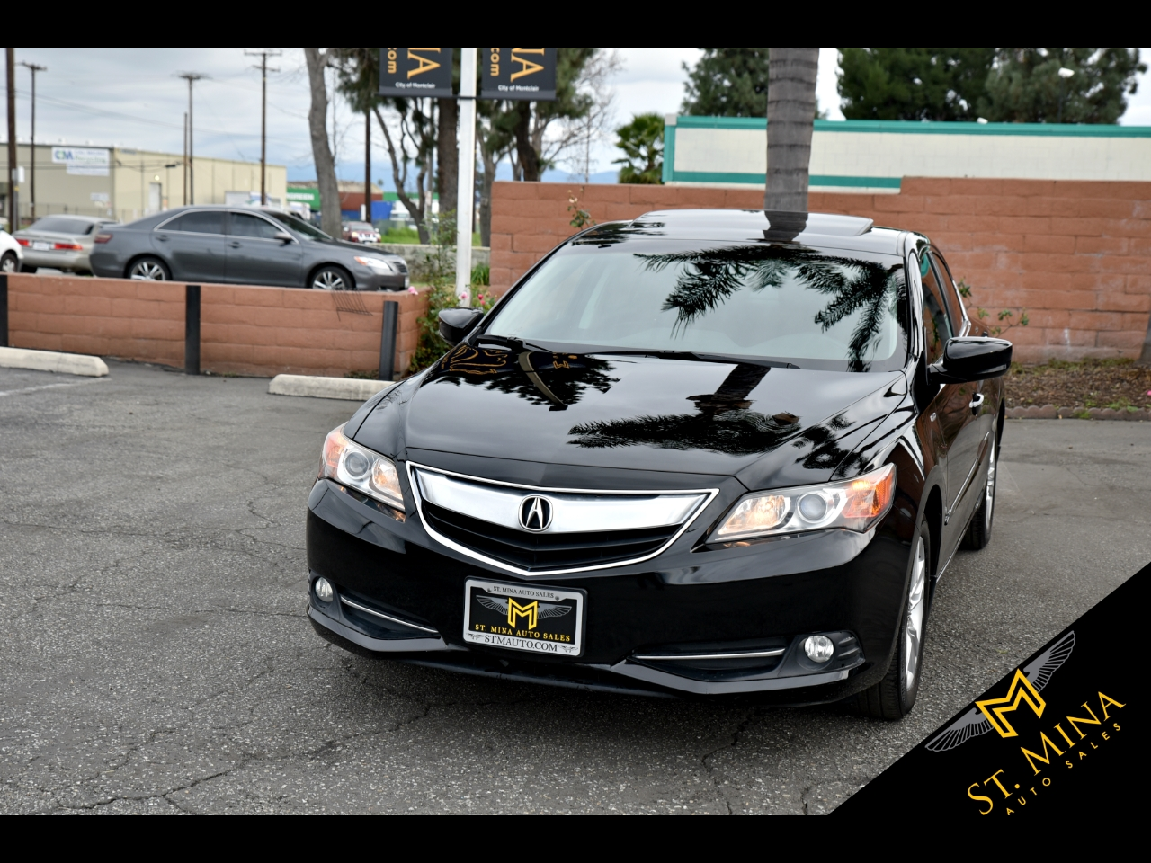 Photo 2013 Acura ILX CVT Hybrid w Technology Package