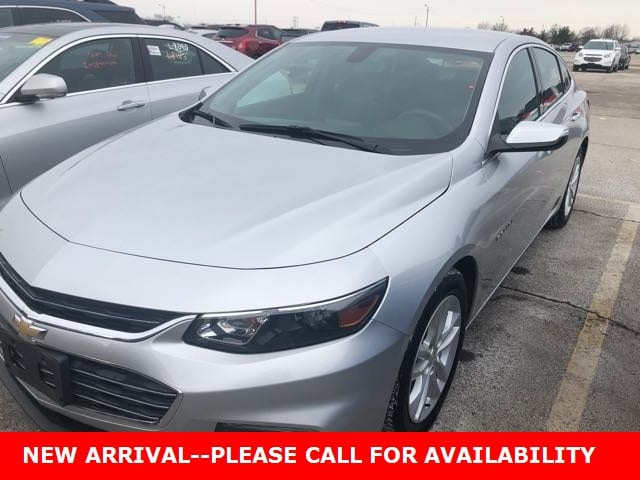Photo Used 2017 Chevrolet Malibu LT Sedan FWD for Sale in Stow, OH