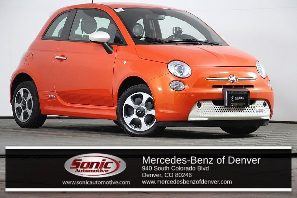Photo Pre-Owned 2015 FIAT 500e Battery Electric Hatchback in Denver