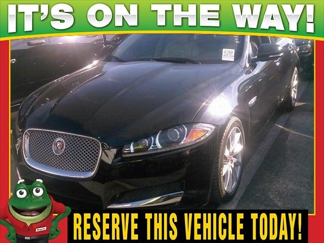 Photo Used 2014 Jaguar XF I4 T - Navigation - Moonroof For Sale Near St. Louis