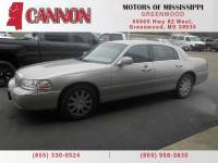 2011 Lincoln Town Car Signature Limited Sedan