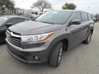 2015 Toyota Highlander LE Plus V6 Power Liftgate, Power Seat & Backup Cam SUV Front-wheel Drive 4-door