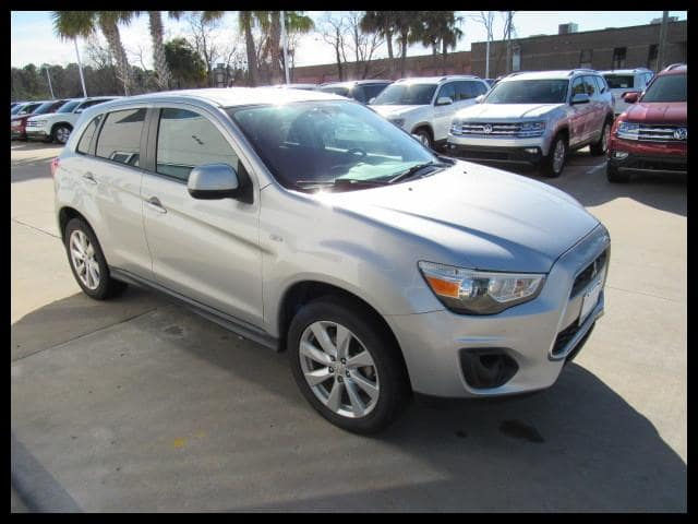 Photo Used 2014 Mitsubishi Outlander Sport 2WD CVT ES in Houston, TX
