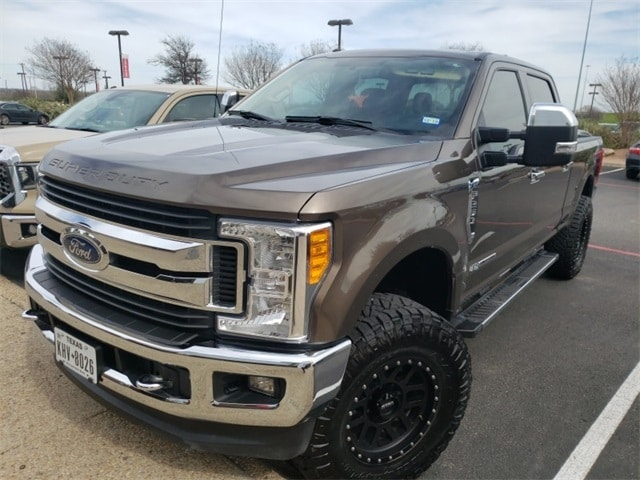 Photo Pre-Owned 2017 Ford F-250SD XLT Lifted Truck For Sale