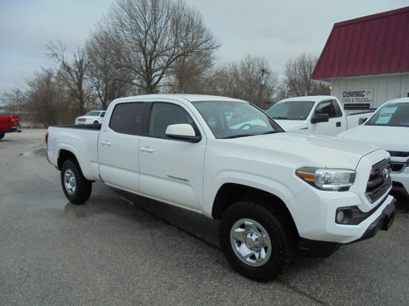 Photo 2016 Toyota Tacoma SR5 Double Cab Super Long Bed V6 5AT 2WD
