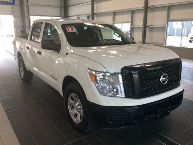 Photo 2017 Nissan Titan NISSAN CERTIFIED 4X4 TOW PACKAGE CC