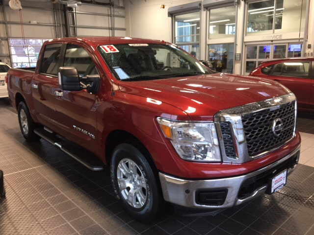 Photo 2018 Nissan Titan NISSAN CERTIFIED 4X4 NAVIGATION TOW PACKAGE PICKUP