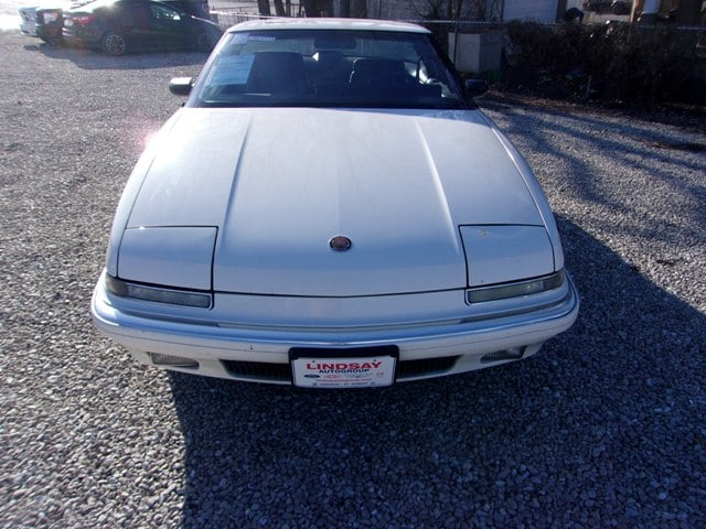 Photo 1989 Buick Reatta Coupe Coupe for Sale in Saint Robert