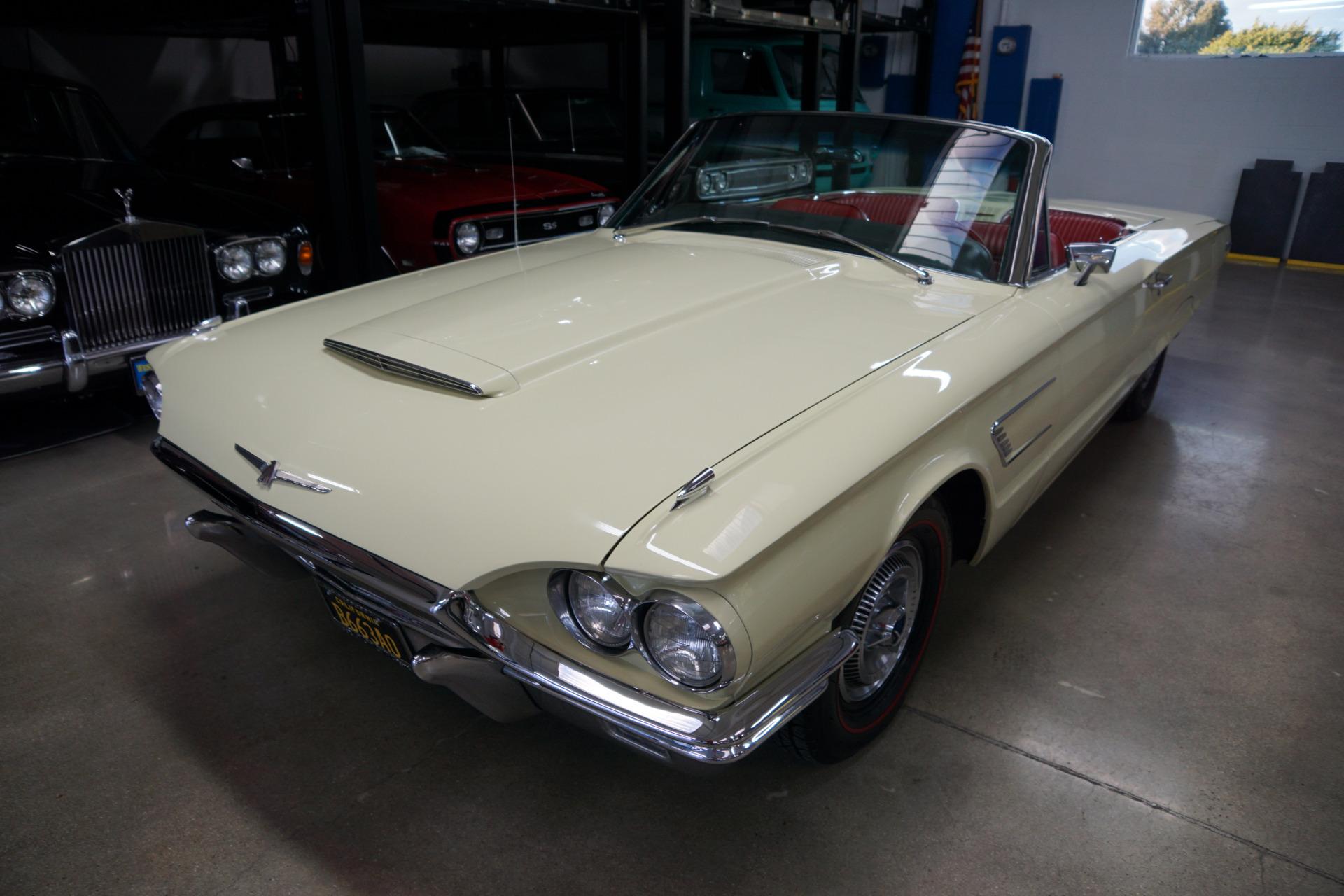 Photo 1965 Ford Thunderbird V8 390300HP 4BBL V8 Convertible