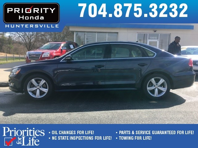 Photo Used 2015 Volkswagen Passat For Sale in Huntersville NC  Serving Charlotte, Concord NC  Cornelius. VIN 1VWAT7A30FC094477