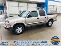 Pre-Owned 2002 Chevrolet S-10 LS 4WD 4D Crew Cab