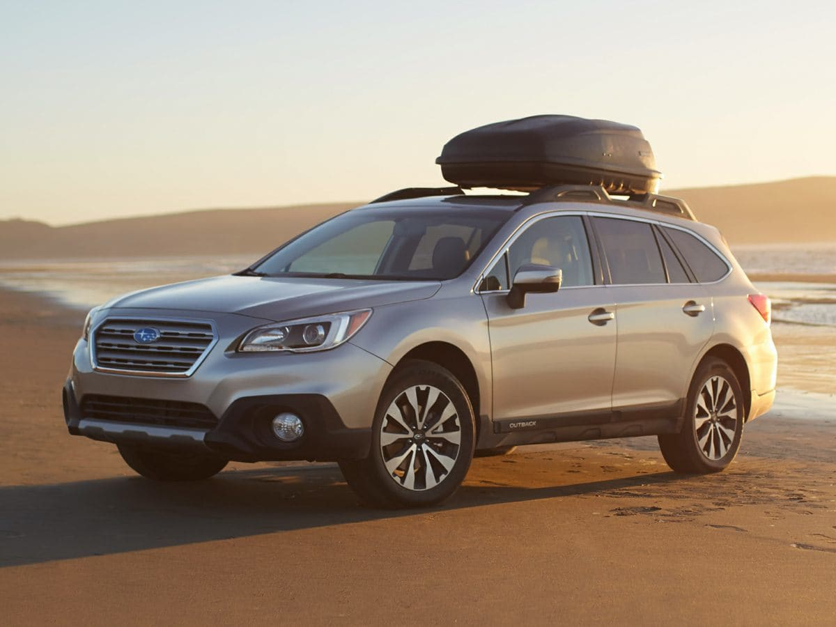 Photo Used 2015 Subaru Outback 2.5i Limited wMoonroofKeylessAccessNavEyeSight for Sale in Tacoma, near Auburn WA
