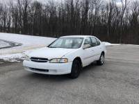 Pre-Owned 1998 Nissan Altima 4dr Sdn XE Auto FWD 4dr Car