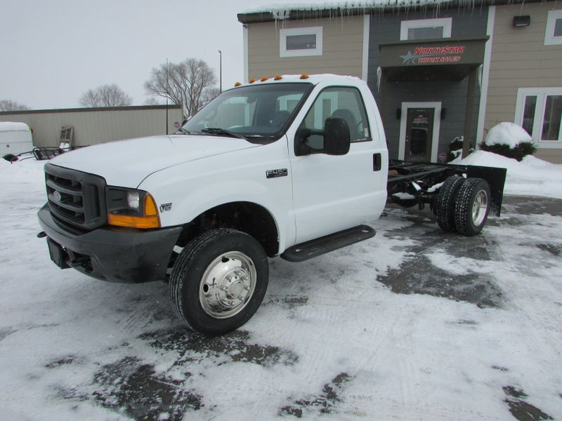 Photo Used 2000 Ford F-450 Cab Chassis