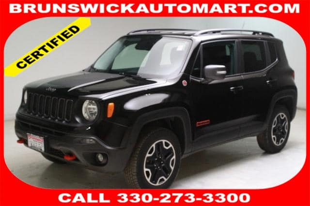 Photo Certified Used 2016 Jeep Renegade Trailhawk 4x4 in Brunswick, OH, near Cleveland