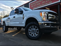 2017 Ford F-250 SD XLT CREW CAB SHORT BED 4WD CUSTOM LEVELED