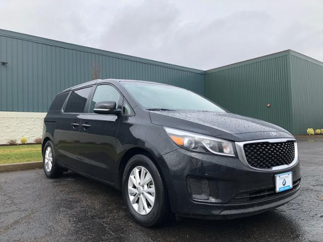 Photo Used 2018 Kia Sedona LX in Salem, OR