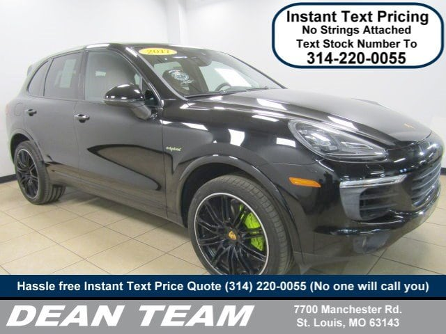 Photo Used 2017 Porsche Cayenne S E-Hybrid S E-Hybrid AWD in St. Louis, MO