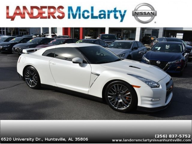 Photo Used 2016 Nissan GT-R Premium Coupe