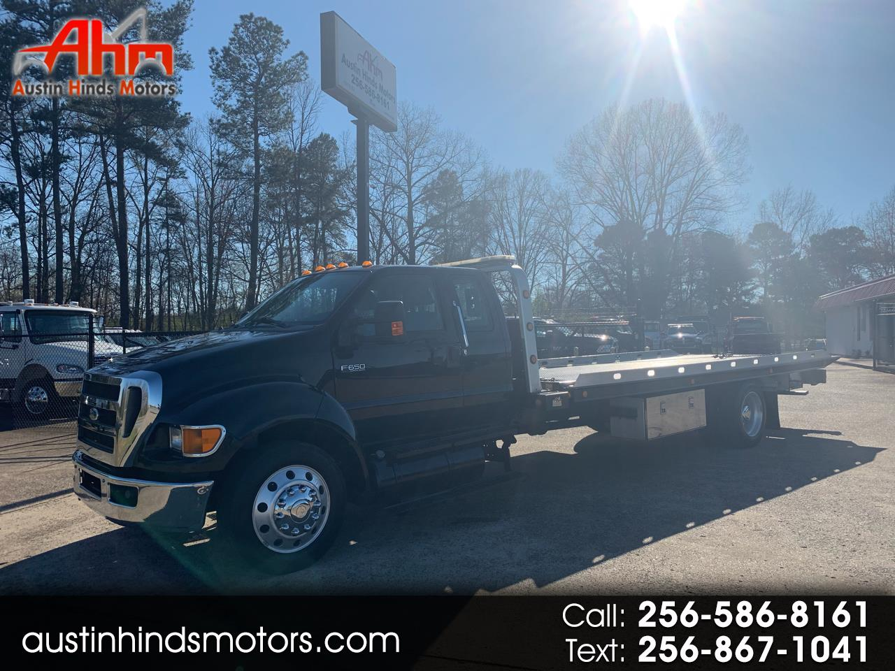 Photo 2011 Ford F-650 SuperCab 2WD DRW