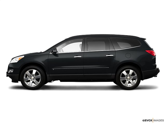 Photo Used 2009 Chevrolet Traverse FWD 4dr LT w1LT in Ames, IA