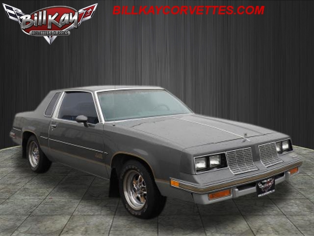 Photo Pre-Owned 1985 Oldsmobile 442 442 RWD 442 2dr Coupe