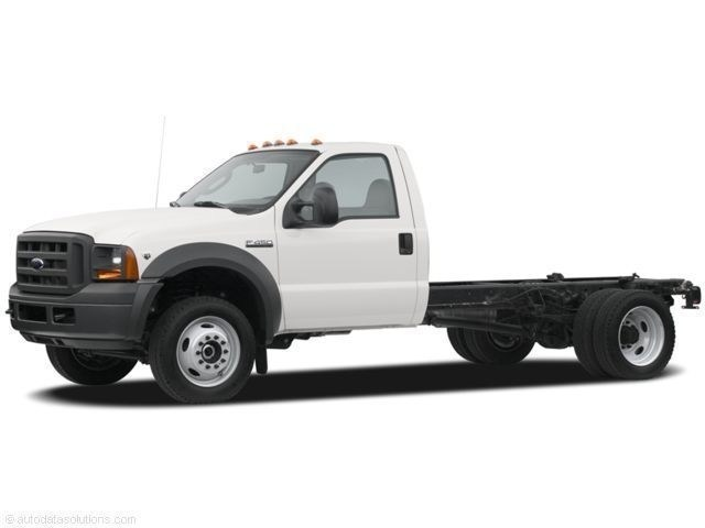 Photo Used 2007 Ford Super Duty F-450 DRW 4WD Reg Cab 165 WB 84 CA XL For Sale in Allentown, PA