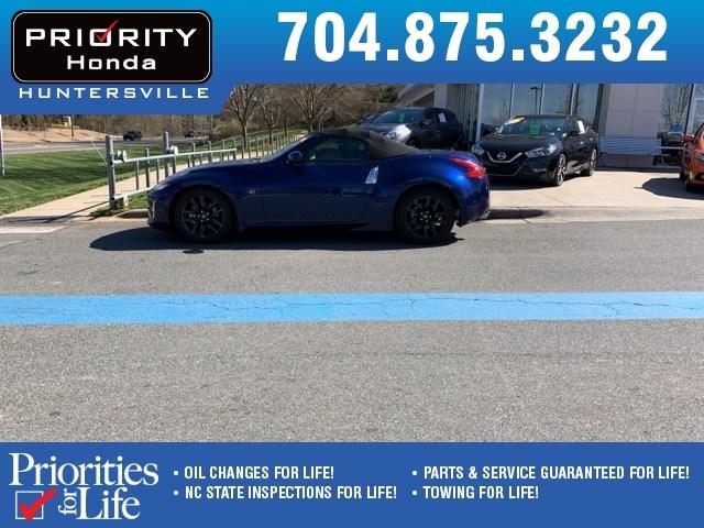 Photo Used 2017 Nissan 370Z For Sale in Huntersville NC  Serving Charlotte, Concord NC  Cornelius. VIN JN1AZ4FH3HM940069
