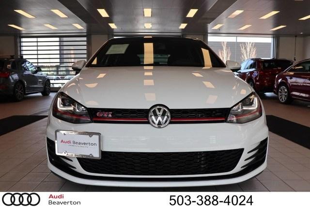 Photo Used 2017 Volkswagen Golf GTI SE 4-Door Hatchback for Sale in Beaverton,OR