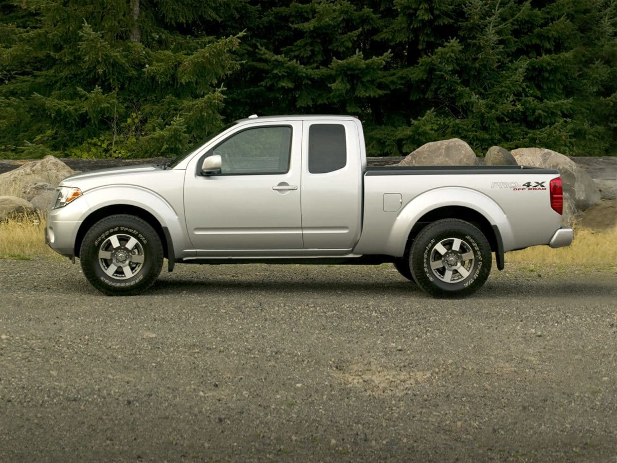 Photo Used 2012 Nissan Frontier SV V6 King Cab 4x4 A5 for Sale in Tacoma, near Auburn WA