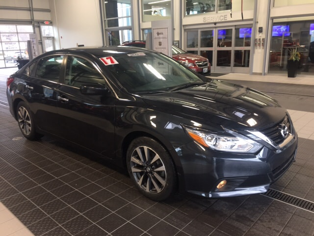 Photo 2017 Nissan Altima NISSAN CERTIFIED Sedan