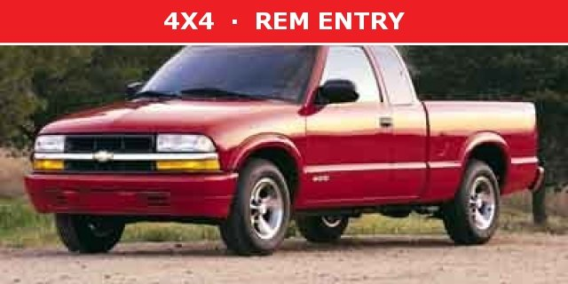 Photo 2002 Chevrolet S-10 LS Truck Extended Cab