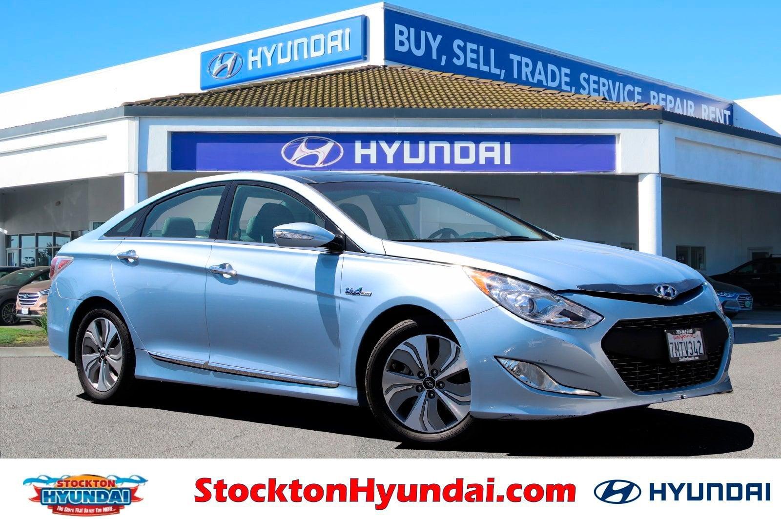 Photo Used 2015 Hyundai Sonata Hybrid Limited Sedan For Sale Stockton, California