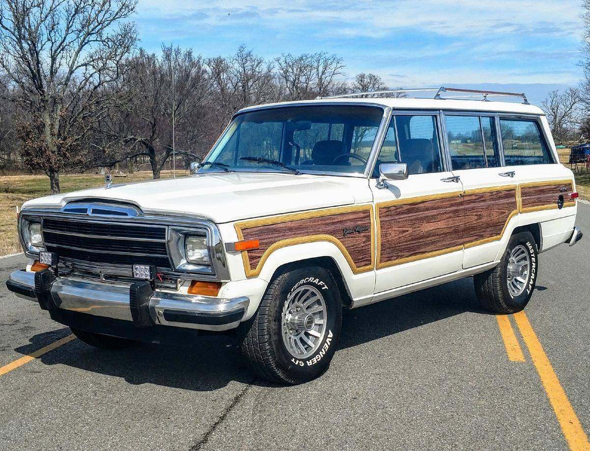 Photo 1988 Jeep Grand Wagoneer -FACTORY PAINT- 360 NUMBERS MATCHING-