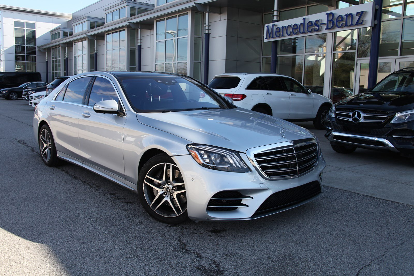 Photo Certified Pre-Owned 2018 Mercedes-Benz S 560 4MATIC Sedan S-Class