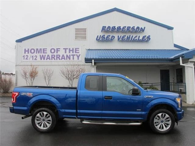 Photo Used 2017 Ford F-150 XL 4x4 SuperCab Styleside 6.5 ft. box 145 in. WB Extended Cab Short Bed Truck For Sale Bend, OR