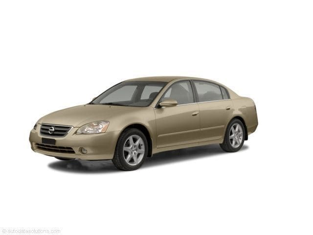 Photo Used 2002 Nissan Altima Sedan for sale in Middlebury CT