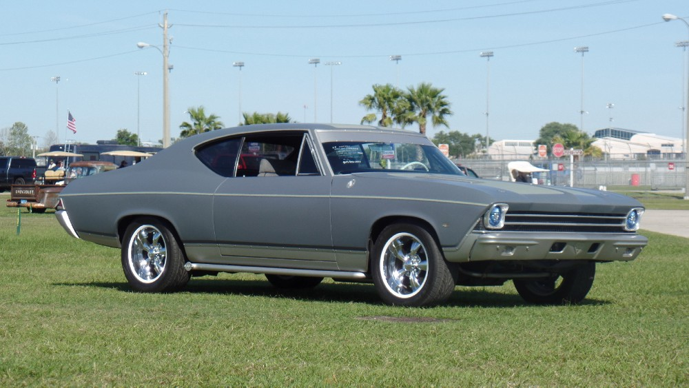 Photo 1968 Chevrolet Chevelle CUSTOM BUILT-FRAME OFF PRO TOUR-1 OF A KIND-SEE VIDEO