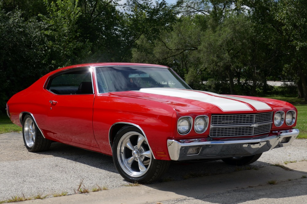 Photo 1970 Chevrolet Chevelle -BIG BLOCK 454-NICE BRIGHT RED PAINT JOB-FROM THE WEST COAST-SEE VIDEO