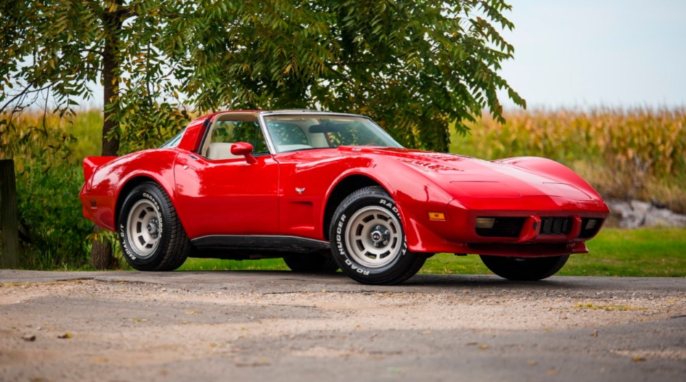 Photo 1979 Chevrolet Corvette -Red Hot Ready Summer Fun