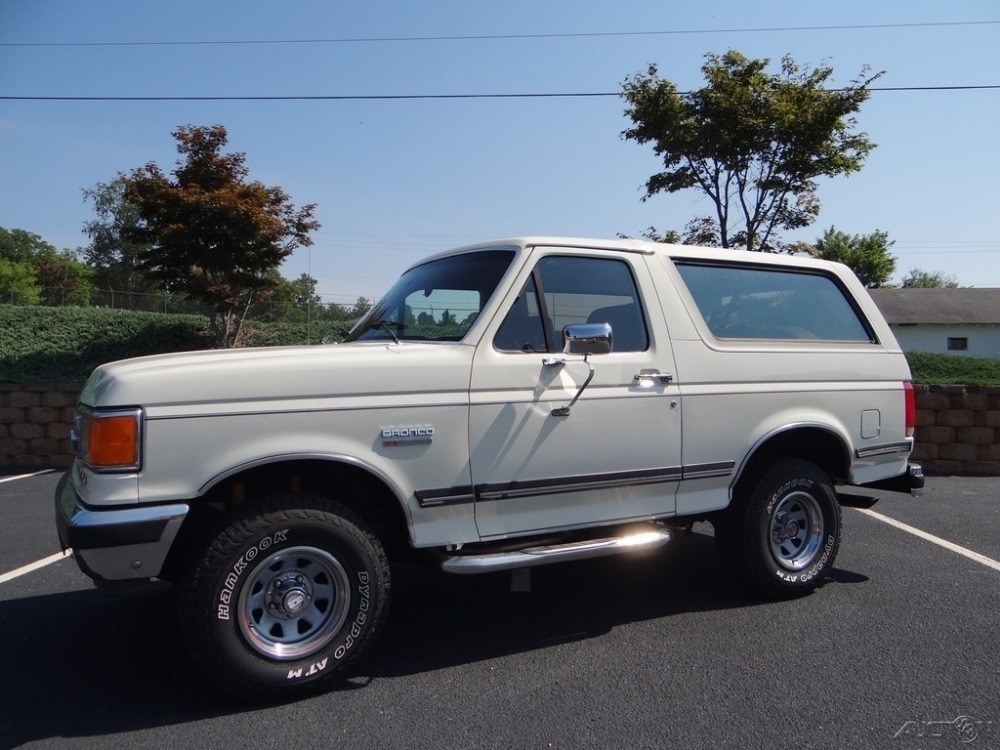 Photo 1987 Ford Bronco -XLT- 4X4- 302CI AUTOMATIC-LOW MILES FROM NORTH CAROLINA