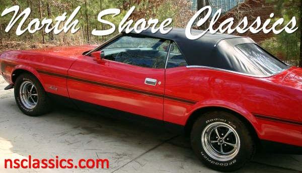 Photo 1972 Ford Mustang -Red Convertible-