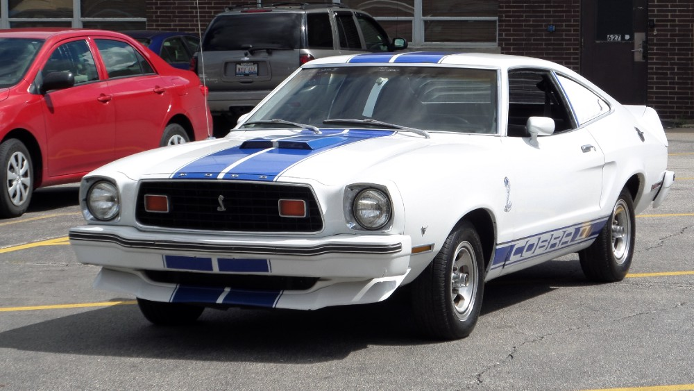 Photo 1978 Ford Mustang COBRA II-FROM TENNESSEE-CHARLIES ANGELS THEME CAR-SEE VIDEO